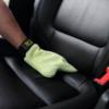 Putzen mit Mirkofaser Handschuh Meguiars